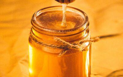 Wat is gezonder: honing of suiker?